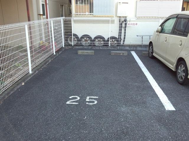 駐車場スペース25